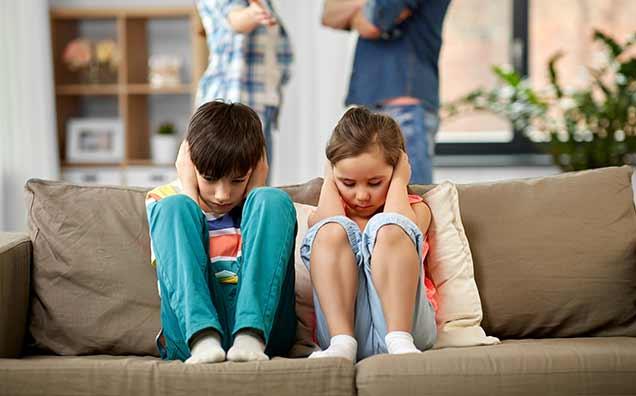 Rezolvă certurile, ca să nu afectezi emoțional copiii