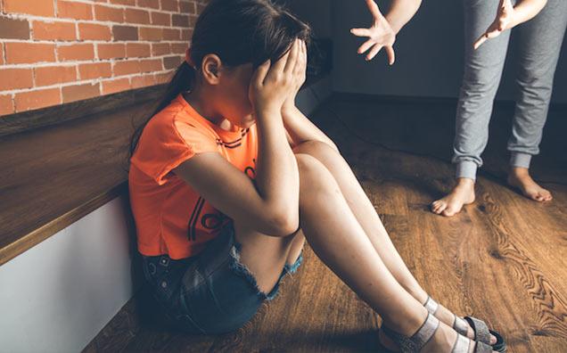 10 Expresii pe care părinții nu ar trebui să le folosească niciodată cu copiii lor - de ce sunt distrugătoare și ce să spui în schimb